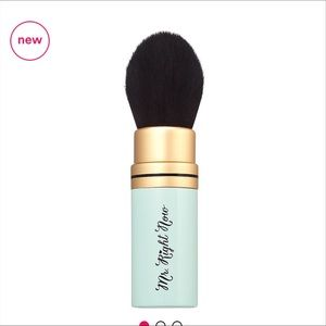 🆕 Mr, Right Now Brush Too Faced